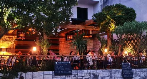 Restaurant DALMACIJA - Vela Luka
